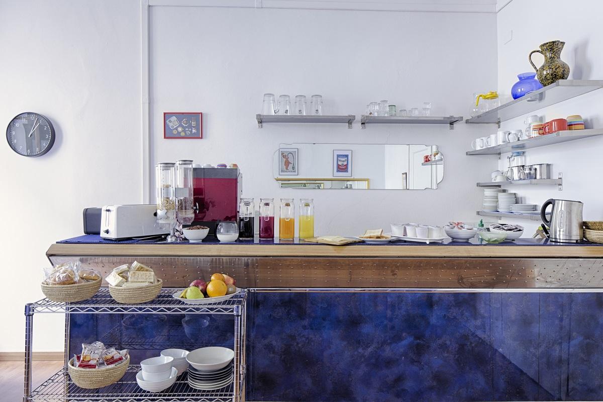 breakfast-bar.jpg